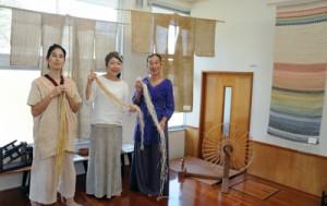 自然布の魅力伝える 島内在住手織り人の作品展示 「かけろま手しごと工房」 瀬戸内町