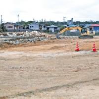 与論町の新庁舎建設予定地=15日、同町茶花