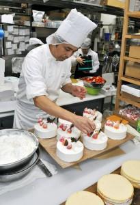 (タテ)クリスマスケーキ作り181223清水
