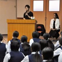 フライトドクターを招いた講演会があった大島高校の看護学講座=5日、奄美市名瀬