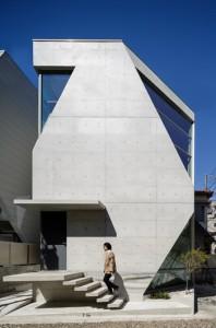 アトリエ・天工人が設計し、国内外の4冠を達成した住宅「R・トルソ・C」(事務所提供)
