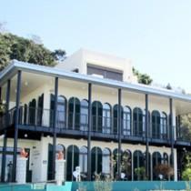 鹿児島湾を見晴らす高台に完成した南風図書館