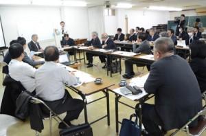 官民連携で市街地活性化を目指す奄美市地方再生CC推進会議の初会合=17日、市役所
