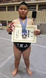 個人戦で準優勝した豊田(左)(提供写真)