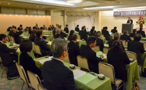 奄振法の延長や内容充実について決議した県町村議会議長会=21日、奄美市名瀬