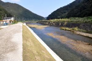 環境保全への取り組みが評価された役勝川の施工現場=2日、奄美市住用町