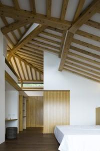 高倉や巻貝などから着想を得たプールヴィラの天井=傍島利浩撮影