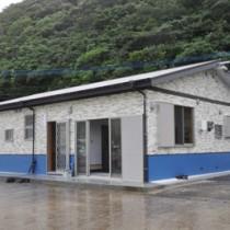 魚食普及や魚価の向上などを目的に大和村が建設した水産加工施設=18日、同村津名久