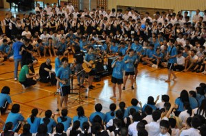 ダブルアンコールまであった全員合唱=9日、奄美市名瀬の大島高校