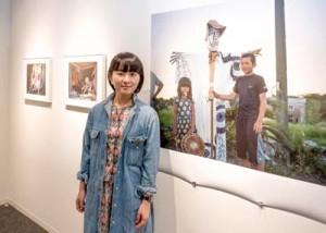 東京のニコンサロンで個展「風と土と」を開催した加川さん=5月30日