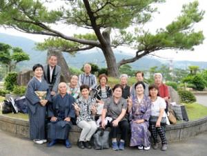 手広高齢者クラブ「にこにこ会」=5月25日、龍郷町