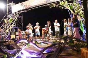 16組が多彩なステージを展開したKuninaoミュージックフェス=6月29日、大和村国直(提供写真)