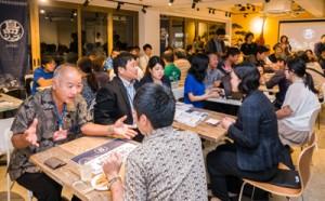 企業説明や面接が行われた企業ブース=8日、東京・台東区