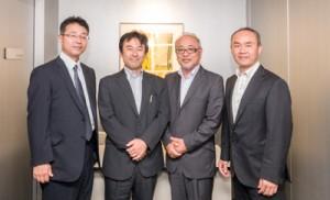 アーダンの西社長(右から2人目)ら新用途分科会のメンバー=13日、東京・千代田区