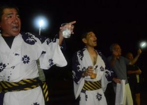 厄を払い、無病息災を祈願した伝統のキトバレ踊り=7日、大和村思勝