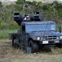 報道機関に公開された地対空ミサイルの発射準備訓練=8日、奄美市笠利町