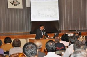 「南島雑話」著者の名越左源太をテーマにあったフォーラム=17日、奄美市名瀬の小宿小学校