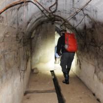 瀬戸内町教育委員会によって新たに確認された旧日本海軍大島防備隊本部の施設=5日、瀬戸内町瀬相