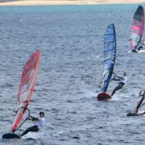 男子プロ部門で開幕したTUKASA JAPAN CUP2020=28日、龍郷町の倉崎海岸