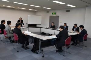経済や企業防衛への方向性を確認した協議会の初会合=12日、鹿児島市