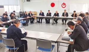 今後の感染防止対策などを協議した徳之島地区新型コロナウイルス対策会議=17日、徳之島町役場
