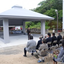交流拠点として再建されたアシャゲ=29日、宇検村阿室