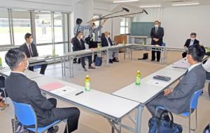 初めての県高校総体の中止を決めた県高校体育連盟理事会=13日、鹿児島市
