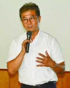 奄美のタンカン生産について産地ブランド確立を提言した李准教授=2日、奄美市名瀬