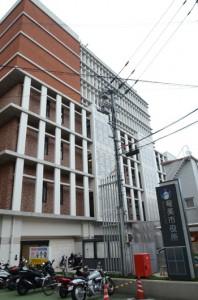 群島最多の応募が集まる奄美市役所。コロナ対策のため今年は職員採用試験会場を増やす