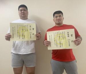 東日本学生相撲個人別選手権大会で上位入賞した(左から)伊波、松元(提供写真)