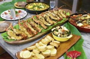 キャンペーンに向け、メニューの調理法を確認する同協議会の飲食メンバー(提供写真)