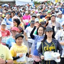 新型コロナの影響で、2年連続大会開催を見合わせたヨロンマラソン=2019年3月10日、与論町