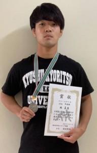 レスリング西日本学生選手権のフリースタイル74キロ級で準優勝の西選手=提供写真