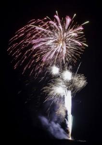 クリスマスイブに打ち上げられた龍郷町の花火