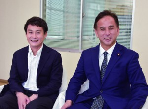 奄美大島入りした遠山衆院議員(右)と同行した猿田彦珈琲の大塚氏