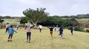 自然などをテーマにした「あしきぶふぇすた」の体験活動を楽しむ参加者(提供写真)