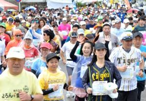 2019年に開催されたヨロンマラソン=同年3月10日、与論町