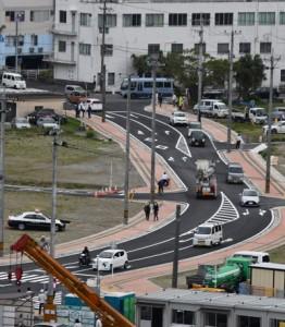 開通した臨港道路「本港佐大熊線」=18日、奄美市名瀬