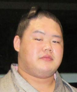 大相撲春場所で敢闘賞を獲得した明生