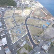 市道整備が進む名瀬港本港地区のマリンタウン地区=2月24日、奄美市名瀬(同市提供)