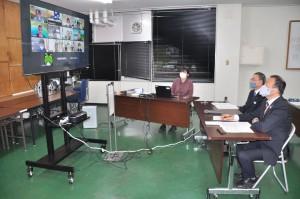 オンラインであったユニバーサルツーリズム推進事業成果報告会=11日、奄美市名瀬
