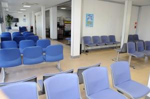 拡張された沖永良部空港の出発ロビー=19日、和泊町国頭
